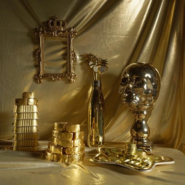 Vanitas I (gold)